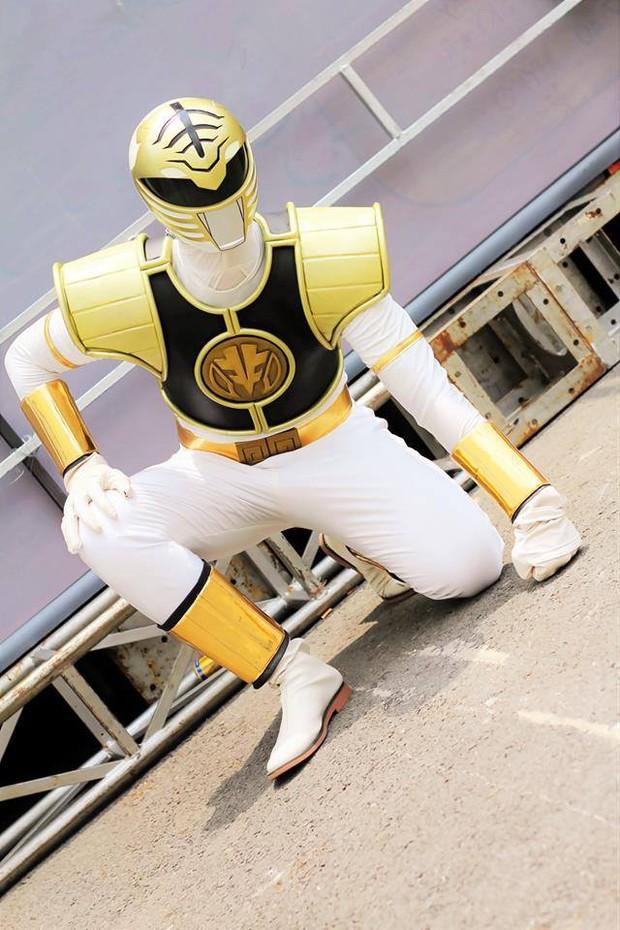 20 tuổi vẫn mê siêu nhân, chàng trai tự thiết kế trang phục để biến ước mơ thành sự thật - Ảnh 7.
