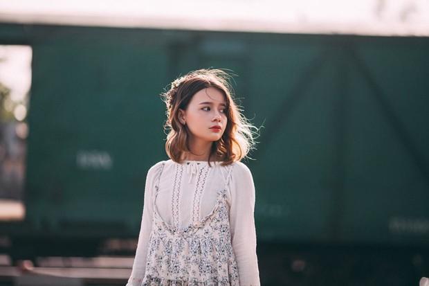 Hoàn cảnh gia đình đặc biệt của thiếu nữ 10X Việt mang vẻ đẹp lai - Ảnh 3.