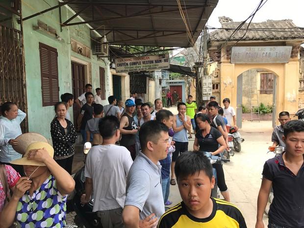 Hà Nội: Bé trai 33 ngày tuổi tử vong trong chậu nước, nghi bị sát hại - Ảnh 2.