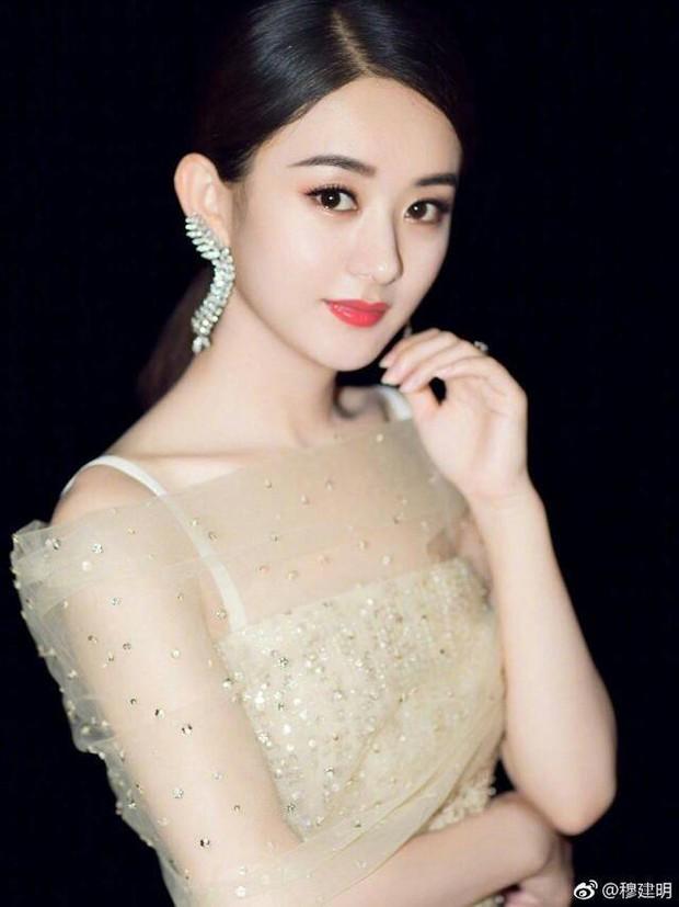 Netizen Hàn bầu chọn Top 10 nữ thần châu Á: Kim Tae Hee vắng mặt, Lưu Diệc Phi đội sổ - Ảnh 1.