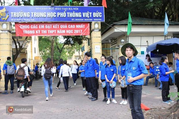 Hơn 866.000 thí sinh làm thủ tục chính thức bước vào kỳ thi THPT 2017 - Ảnh 8.