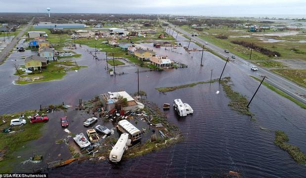 Chùm ảnh trước - sau cho thấy hậu quả kinh hoàng mà siêu bão mạnh nhất thập kỷ gây ra cho nước Mỹ - Ảnh 4.