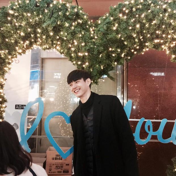 VĐV bóng chuyền thôi mà, đâu nhất thiết phải đẹp trai như Kim Soo Hyun thế này hả trời! - Ảnh 8.