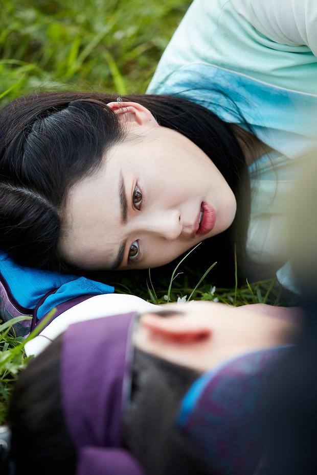 Hwarang: Vừa nói yêu Go Ara, Park Seo Joon lĩnh ngay một mũi tên chí mạng - Ảnh 2.