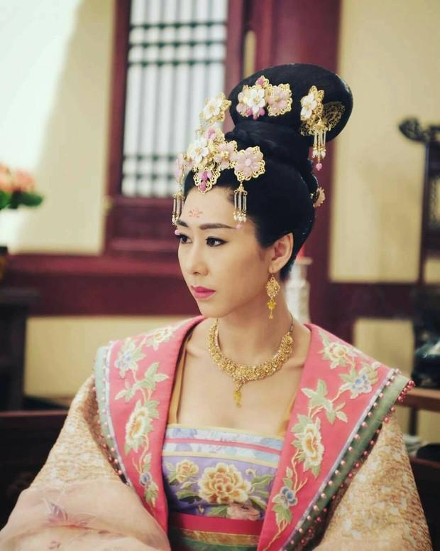 """""""Bữa tiệc"""" truyền hình màu nhiệm của đài TVB năm nay có gì? - Ảnh 2."""