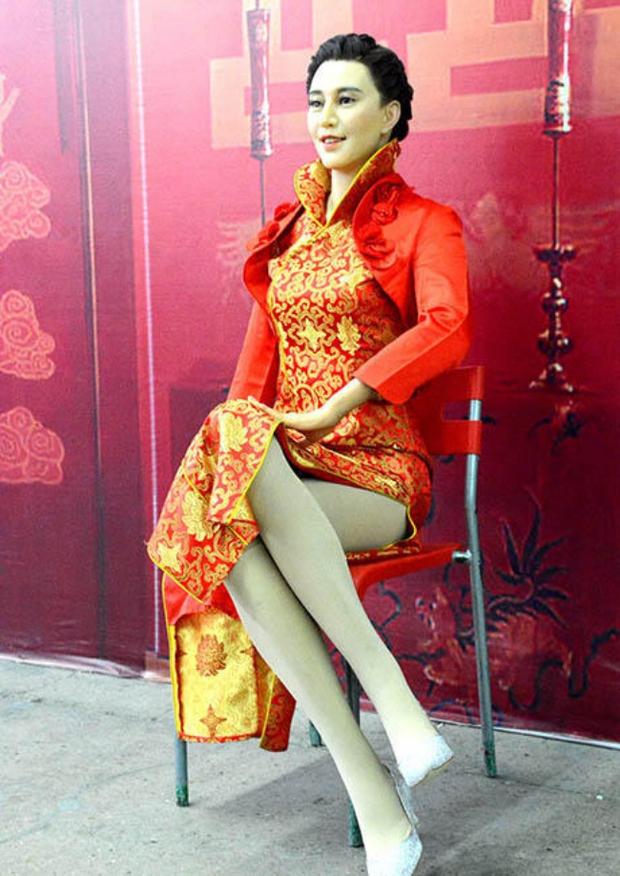 Những bức tượng được làm theo nguyên mẫu người nổi tiếng, nhưng cuối cùng lại chẳng giống ai ở Trung Quốc - Ảnh 23.