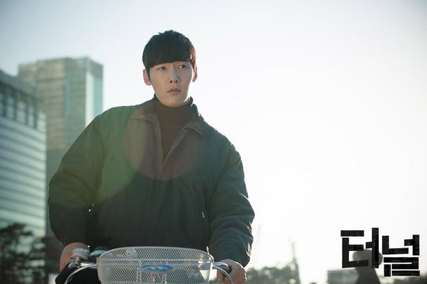 9 phim hình sự, trinh thám xứ Hàn mà bạn không thể bỏ qua - Ảnh 23.