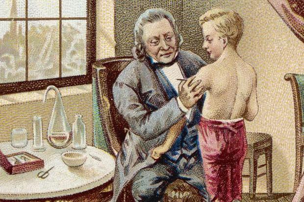 Vì sao chúng ta lại phải tiêm vaccine? - Ảnh 1.