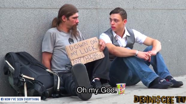 Chàng thanh niên tặng người vô gia cư quần áo, không ngờ họ lại phản ứng mạnh đến vậy - Ảnh 3.