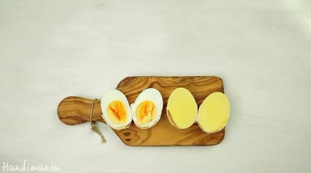 Lòng trắng trứng biến thành màu vàng ươm đẹp mắt chỉ với 1 mẹo vô cùng đơn giản - Ảnh 8.