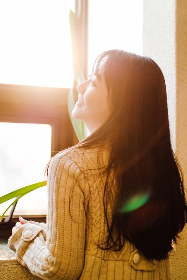 Bí quyết khắc phục tình trạng thiếu hụt vitamin D cho dân văn phòng suốt ngày ngồi trong nhà - Ảnh 1.