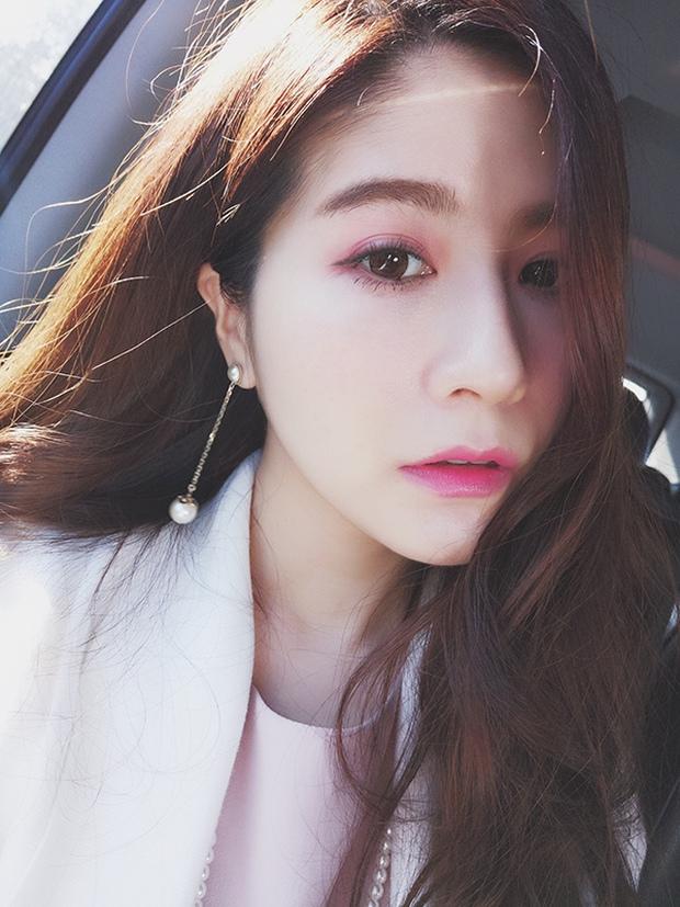 Không chỉ blogger Hàn, blogger Trung Quốc cũng toàn những cô vừa xinh vừa giỏi - Ảnh 2.