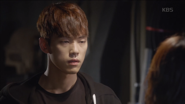 """""""School 2017"""": Liệu có phải con trai nào cũng có khuôn mặt """"dại gái"""" như thế này khi nhìn thấy gái xinh Se Jeong? - Ảnh 12."""