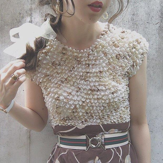 Áo phông bỏng ngô, mẫu áo sến súa từ vài chục năm trước nay lại được con gái Nhật thi nhau diện - Ảnh 2.