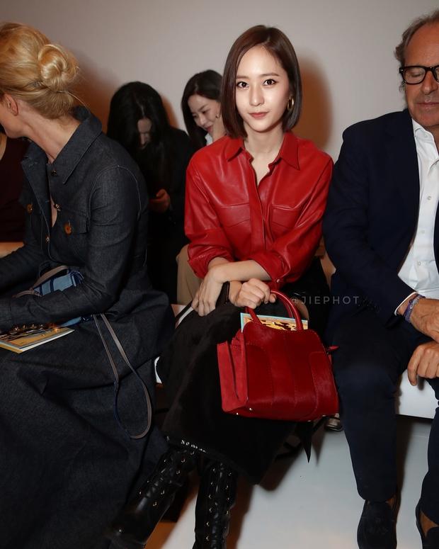 Quá bất ngờ: Krystal đột nhiên cắt phăng mái tóc dài, xuất hiện với tóc bob thời thượng tại Milan Fashion Week - Ảnh 3.