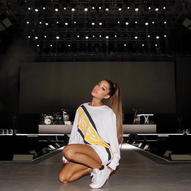 Chưa kịp quay lại Việt Nam để đền bù hủy show, Ariana Grande đã chính thức khép lại tour diễn nhiều lùm xùm Dangerous Woman - Ảnh 3.