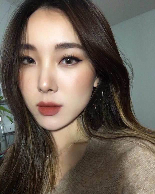 Không phải beauty blogger nhưng 5 hot girl Hàn này vẫn được hội mê làm đẹp săn đón vì makeup cực long lanh - Ảnh 18.