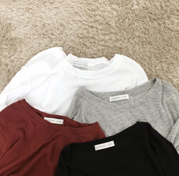 Thủ sẵn vài ba chiếc áo thun ôm trơn màu, công cuộc ăn diện mùa thu của bạn sẽ lên hương hẳn - Ảnh 2.