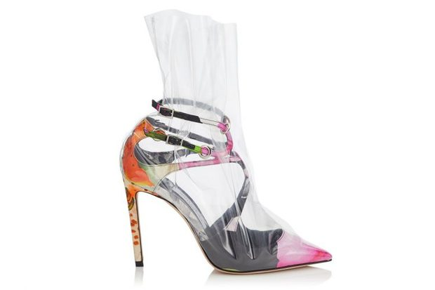 Từ hình ảnh của Rihanna rút ra chân lý: muốn có giày mới, cứ lấy nylon mà bọc vào giày cũ! - Ảnh 7.