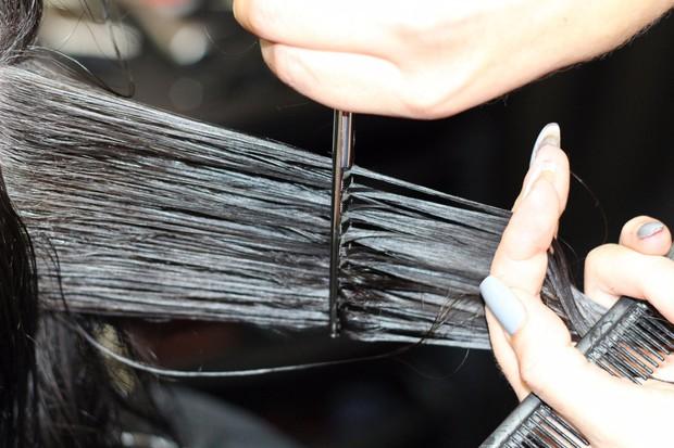 Muốn tóc hết chẻ ngọn trong mùa đông thì nên tuân thủ những nguyên tắc này - Ảnh 2.