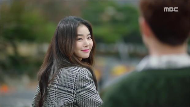 Choáng với tình đầu của Yoo Seung Ho: Vòng 1 khủng tới nỗi khiến Jo In Sung toát mồ hôi - Ảnh 2.