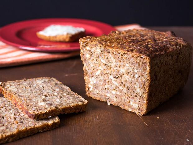 Đã mắt với món bánh Smørrebrød truyền thống đầy màu sắc của Đan Mạch - Ảnh 2.