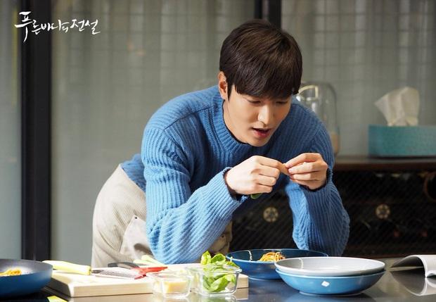 Đang đói mà nhìn Lee Min Ho làm pasta cho tiên cá Jun Ji Hyun là thấy thèm ngay lập tức - Ảnh 11.