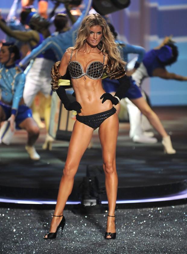Các thiên thần Victorias Secret mặc Fantasy Bra hàng trăm tỷ đồng: Ai là người đẹp xuất sắc như nữ thần? - Ảnh 11.