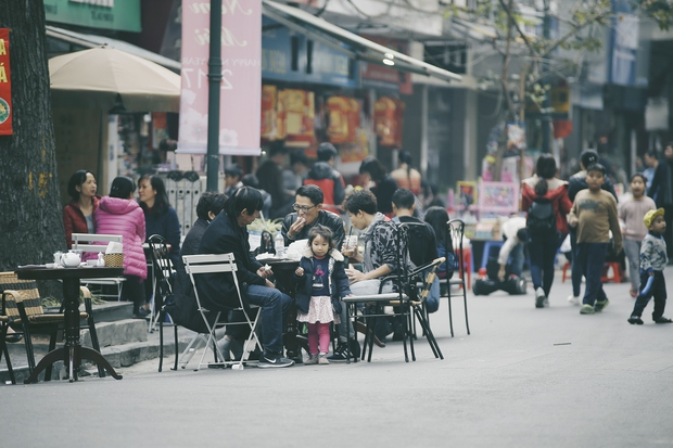 Tròn 1 năm khai trương, phố đi bộ Hồ Gươm đã trở thành một phần không thể thiếu của người Hà Nội - Ảnh 12.