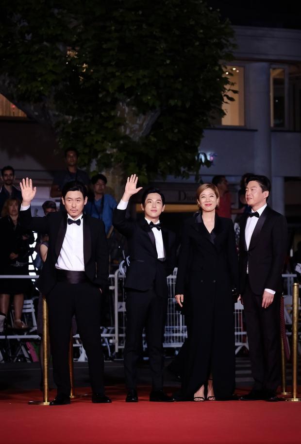 The Merciless nhận tràng pháo tay kéo dài 7 phút tại LHP Cannes 2017 - Ảnh 10.