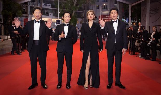 The Merciless nhận tràng pháo tay kéo dài 7 phút tại LHP Cannes 2017 - Ảnh 5.