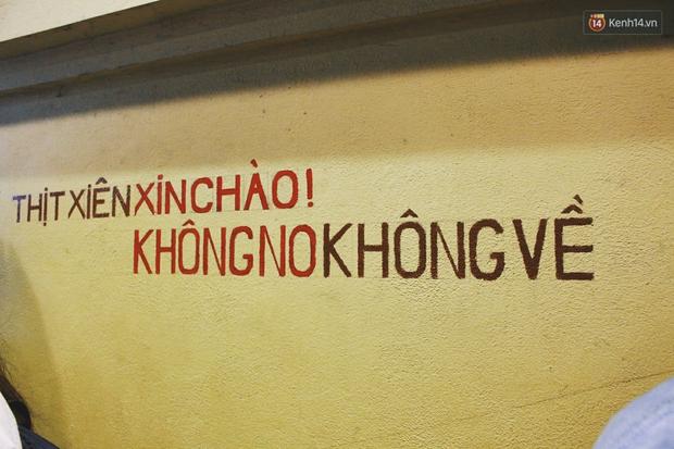 Hợp tác xã thịt xiên ở Hà Nội gây mê thực khách bằng những biển quảng cáo dí dỏm - Ảnh 5.