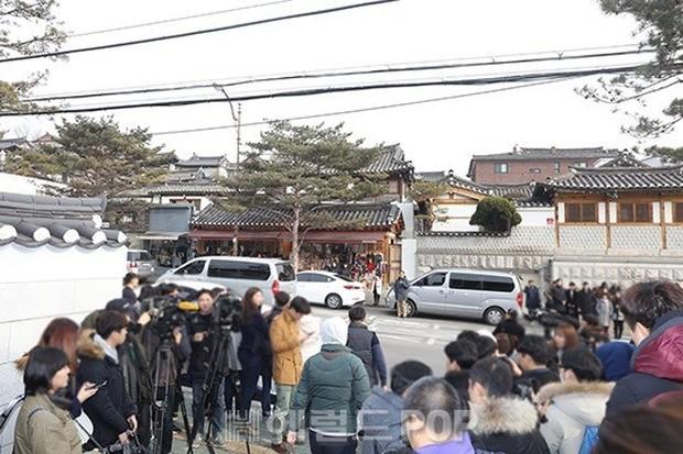 HOT: Rò rỉ hình ảnh hiếm hoi Kim Tae Hee và Bi Rain hạnh phúc thề nguyện bên trong đám cưới thế kỷ - Ảnh 26.