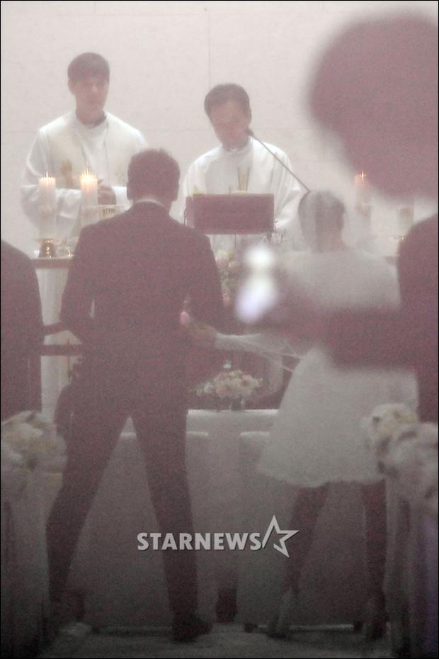 HOT: Rò rỉ hình ảnh hiếm hoi Kim Tae Hee và Bi Rain hạnh phúc thề nguyện bên trong đám cưới thế kỷ - Ảnh 8.