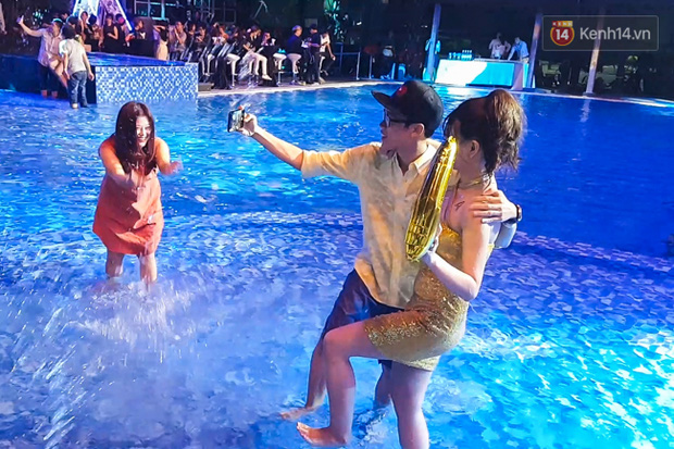 Pool party giao lưu với smartphone vừa diễn ra tưng bừng tại Sài Gòn và đây là những hình ảnh nóng nhất - Ảnh 6.