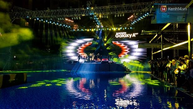 Pool party giao lưu với smartphone vừa diễn ra tưng bừng tại Sài Gòn và đây là những hình ảnh nóng nhất - Ảnh 3.