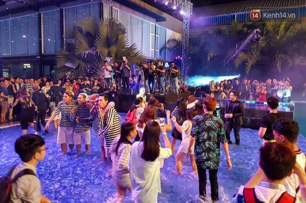 Pool party giao lưu với smartphone vừa diễn ra tưng bừng tại Sài Gòn và đây là những hình ảnh nóng nhất - Ảnh 21.