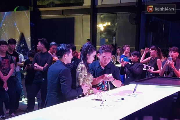 Pool party giao lưu với smartphone vừa diễn ra tưng bừng tại Sài Gòn và đây là những hình ảnh nóng nhất - Ảnh 17.