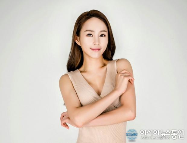 Nữ vệ sĩ đầu tiên của Tổng thống Hàn gây sốt vì quá đẹp và giờ cô đã trở thành diễn viên - Ảnh 5.