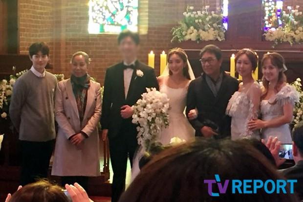 Hôn lễ đẹp nhất xứ Hàn: S.E.S tái hợp, chủ tịch SM Lee Soo Man cùng dàn sao khủng xuất hiện - Ảnh 18.