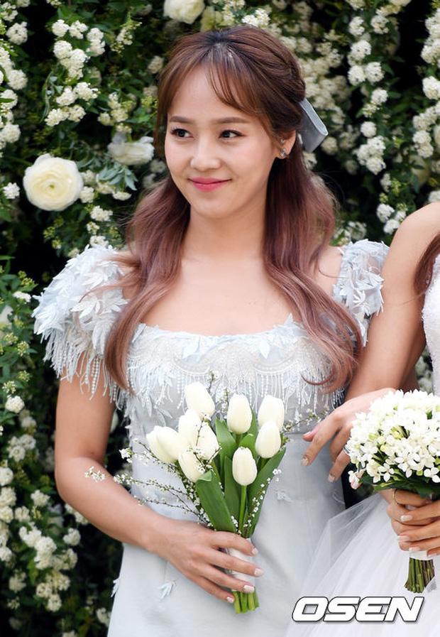 Hôn lễ đẹp nhất xứ Hàn: S.E.S tái hợp, chủ tịch SM Lee Soo Man cùng dàn sao khủng xuất hiện - Ảnh 8.