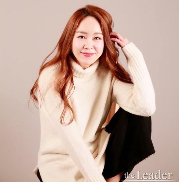 Nữ vệ sĩ đầu tiên của Tổng thống Hàn gây sốt vì quá đẹp và giờ cô đã trở thành diễn viên - Ảnh 7.