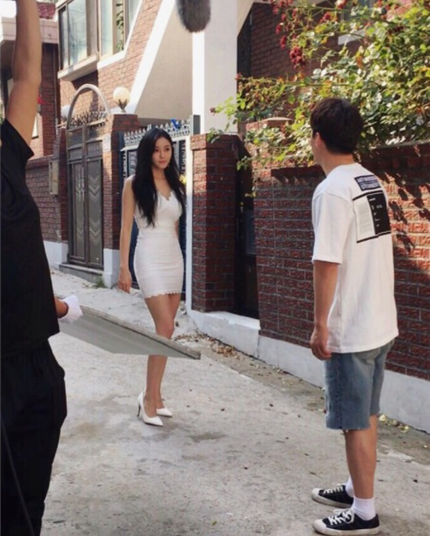 Khi mỹ nhân Hàn khoe body nóng bỏng và bạn không tin nổi đây chỉ là ảnh hậu trường chưa chỉnh sửa - Ảnh 6.