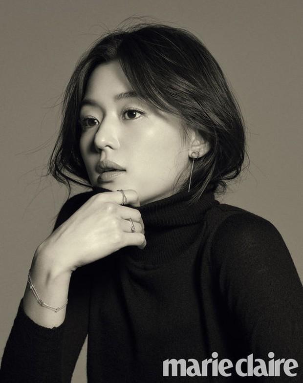 2 bà hoàng Lee Young Ae và Jeon Ji Hyun đụng độ: Quá mãn nhãn và không chỉ còn là đọ nhan sắc - Ảnh 8.