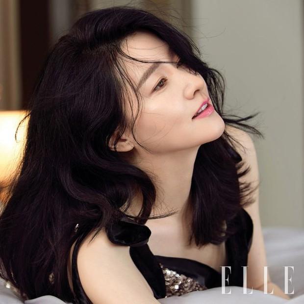 2 bà hoàng Lee Young Ae và Jeon Ji Hyun đụng độ: Quá mãn nhãn và không chỉ còn là đọ nhan sắc - Ảnh 4.