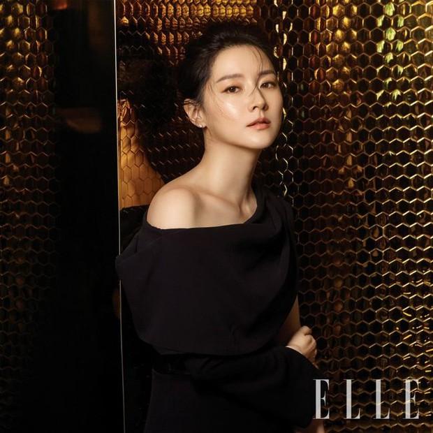 2 bà hoàng Lee Young Ae và Jeon Ji Hyun đụng độ: Quá mãn nhãn và không chỉ còn là đọ nhan sắc - Ảnh 3.