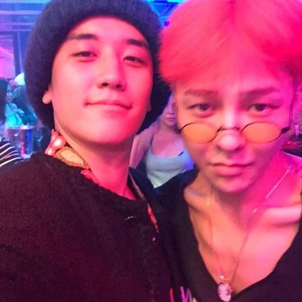 G-Dragon gây sốc vì gầy đáng báo động, bị tố lạm dụng thẩm mỹ đến mức mặt biến dạng - Ảnh 1.