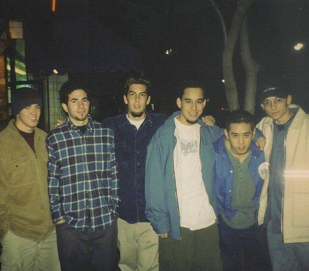 Linkin Park viết thư tưởng nhớ Chester Bennington: Chúng tôi yêu quý cậu và nhớ cậu rất nhiều - Ảnh 2.