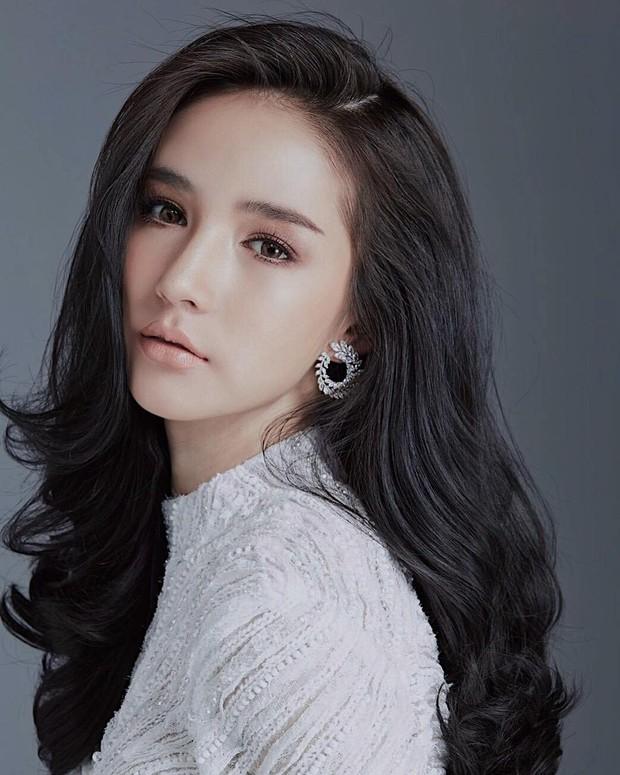 Hậu đăng quang, Hoa hậu chuyển giới Thái Lan 2017 lại khiến dân tình náo loạn vì đẹp đến mức khó tin - Ảnh 10.