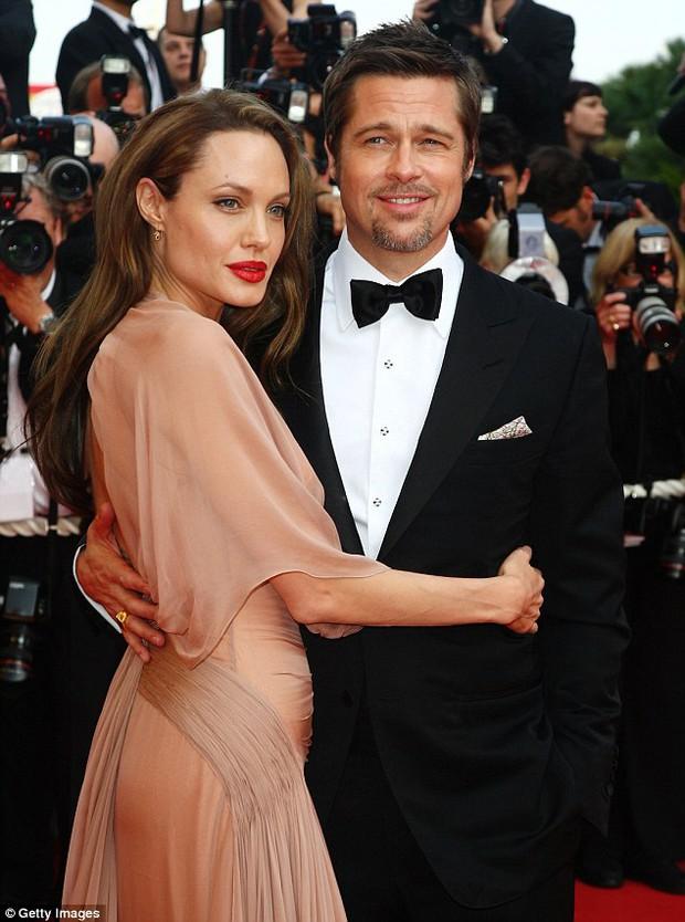 Không tái hợp đã đành, Brad Pitt lại còn muốn ly dị Angelina Jolie cho nhanh? - Ảnh 1.